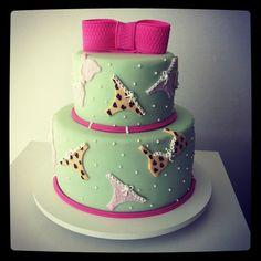 Flavia Ribeiro Andrada – cakes . cupcakes . » chá de lingerie