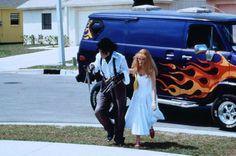 Kim Boggs (Winona Ryder) and Edward (Johnny Depp) ~ Edward Scissorhands (1990) ~ Movie Stills #amusementphile