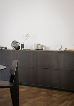 Danish design company Reform has unveiled two new designs to hack your IKEA kitchen with, from renowned designers Norm Architects and Cecilie Manz Kitchen Interior, Kitchen Decor, Kitchen Hacks, Kitchen Ideas, Brass Kitchen, Kitchen Cabinetry, Armoire Ikea, Ikea Cabinets, Küchen Design