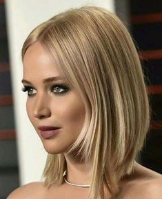 2017 Jennifer Lawrence Symmetrical Layered Bob Hairstyles