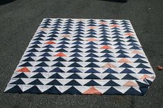 Flying Geese quilt // I've wanted to make a quilt forever and this might just be the one to get me started.