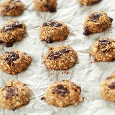 Simple vegan, gluten free cookies made with just 5 ingredients and one bowl. 30 minutes from start to finish and so simple and delicious.
