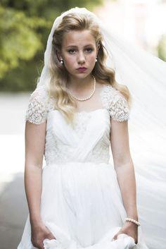 Es noruega, tiene doce años y le encanta 'One Direction'. Aunque la descripción de Thea, así se llama esta niña, podría parecer la de una de las muchas jóvenes que habita el país n