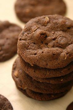 dark chocolate oatmeal cookies by the boastful baker, via Flickr
