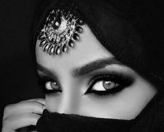 I's looking into eyes… – Diem Jones – Medium
