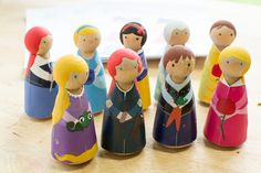 Plenty of Paprika: Disney Princesses Printable Peg Clothes {FREE printable}