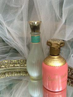 Vintage dresser mirror,oval dresser mirror,dressing table mirror,perfume tray,makeup tray,shabby chic bedroom,vintage romance,vanity mirror by three20sycamorelane on Etsy https://www.etsy.com/listing/472423774/vintage-dresser-mirroroval-dresser