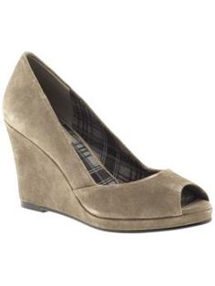 Peep toe wedge, love it
