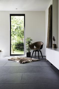Schiefer Fliesen sind sowohl im privaten als auch … – … Slate tiles are available in both private and … – the Living Room Tiles, Grey Flooring, Tile Floor Living Room, Slate Flooring, Slate Tile, Room Tiles, Modern Grey Living Room, Flooring, Living Room Decor Gray