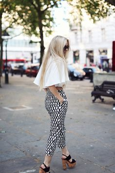 Marimekko Daiva Pants in the Pikku Suomo print. Available at http://kiitosmarimekko.com/products/daivi-pants-white-black