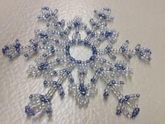 Крупная снежинка из бисера и проволоки. Beaded snowflakes.