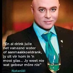 Jy sit hom in 'n mooi glas. Insanity Quotes, Motivational Quotes, Funny Quotes, Afrikaanse Quotes, Laugh At Yourself, Funny Bunnies, Set You Free, Good Advice, Words Quotes