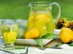 The Cayenne Pepper Diet has become more and more popular as a Master Cleanse Diet, which is also known as the Lemonade Diet or Maple Syrup Diet. Natural Remedies For Gas, Gas Remedies, Home Remedies, Asthma Remedies, Best Lemonade, Lemonade Diet, Homemade Lemonade, Pasta Casera, Drinking Lemon Water