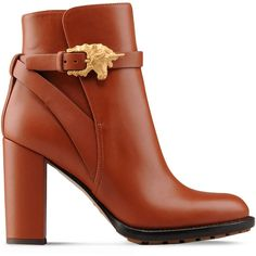 Valentino boot with unicorn buckle (12.840 ARS) ❤ liked on Polyvore featuring shoes, boots, ankle booties, booties, tan, buckle bootie, shootie, buckle booties, ankle boots y tan ankle booties