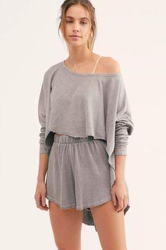 Pijamas Women, Cozy Pajamas, Pyjamas, Casual Outfits, Cute Outfits, Emo Outfits, Loungewear Set, Short Tops, Lounge Wear