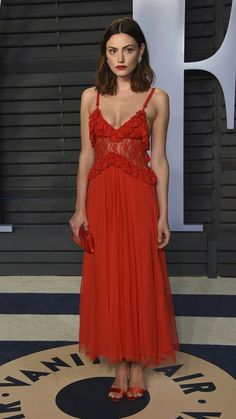 84559ed6392 Phoebe Tonkin - 2018 Vanity Fair Oscar Party in Beverly Hills