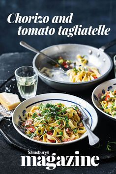 Our chorizo and tomato tagliatelle recipe with peas and rocket is full of flavour. A quick and easy midweek meal for on the table in just 15 minutes. Yummy Pasta Recipes, Pork Recipes, Healthy Dinner Recipes, Vegetarian Recipes, Cooking Recipes, Dishes Recipes, Healthy Dinners, Tagliatelle Carbonara Recipe, Easy Carbonara Recipe