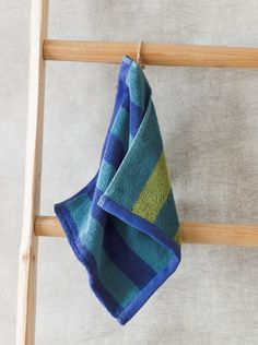 Gypsy Interior Design Dress My Wagon| Serafini Amelia| Weihnachten 2014 - Der Waschlappen Rand ist mit den plakativen Blockstreifen ein besonders schöner Vertreter seiner Gattung.