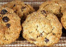 Μια συνταγή πολύ εύκολη που πρέπει να την δοκιμάσεις! Ένα υγιεινό σνακ που μπορεί να φαγωθεί από όλους! Ιδανικό για τα παιδιά, για την δουλειά , για τον σύζυγο που ψάχνει στο ντουλάπι για κανένα μπισκοτάκι!! Υλικά που θα χρειαστεις:… Cooking Recipes, Healthy Recipes, Muffin, Cookies, Breakfast, Desserts, Food, Crack Crackers, Morning Coffee