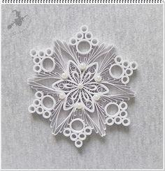 Hófehér karácsonyfa dísz. Snowflake - Quilled by: Boszi                                                                                                                                                                                 More