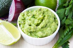 9 Healthy Dips to Get Addicted To >>>> Edamame Guacamole This bright green guacamole is creamy and delicious. It has all the flavors of traditional guacamole but gets an extra kick of protein from the edamame. Healthy Dips, Healthy Eating, Healthy Recipes, Dip Recipes, Hacks Cocina, High Fiber Snacks, How To Ripen Avocados, Mexican Food Recipes, Flat Belly Diet