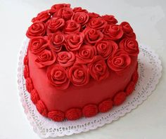 Valentine day Cake ♡ maybe some white and red roses as an alternative