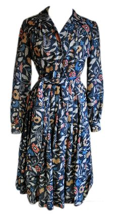 1970s Vintage Susan Small Dress in Liberty Fabric Size 12