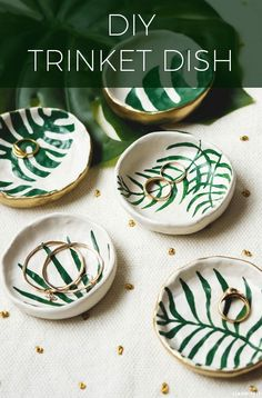 Make these beautiful DIY clay trinket dishes with a tropical leaf theme. This craft idea is perfect for handmade gifts and keeping jewellery in!