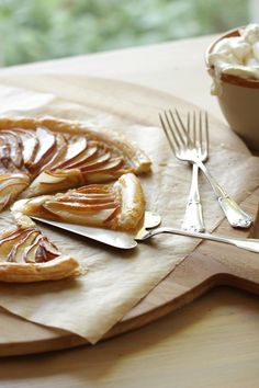 Easy Pear Tart Recipe Using Puffed Pastry