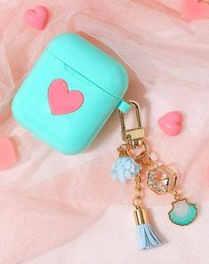 AirPod Case Keychain / Heart AirPods Case / Silicone AirPod Keychain / AirPod Cover / AirPod Holder Pouch / Accessories / Gift for Women Fone Apple, Airpods Apple, Cute Headphones, Xmax, Earphone Case, Air Pods, Airpod Case, Cute Cases, Coque Iphone