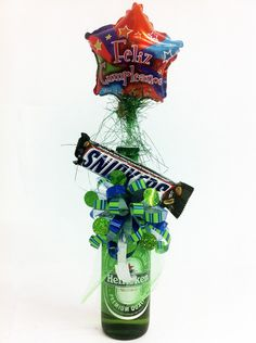 detalle heniken Weird Gifts, Birthdays, Beer, Sweets, Candy, Bullshit, Basket, Gift Ideas, Music