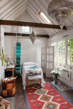 There are some decorating massage room ideas that you can incorporate into your massage room. In this article, we will give you some decorating massage room ideas that can offer a relaxing atmosphere and affords privacy yet comfort. Massage Room Decor, Massage Therapy Rooms, Bohemian Bedrooms, Spa Treatment Room, Spa Treatments, Facial Room, Esthetician Room, Reiki Room, Physical Therapy
