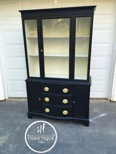Duncan Phyfe Style China Cabinet In General Finishes Lam Black, And Antique  White Interior With