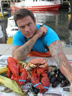 Chuck's Eat the Street: America's Best Food; he is just BEYOND adorable Food Network Star, Food Network Recipes, Paella, The Incredibles, My Favorite Things, Eat, Chefs, Cooking, Celebrities