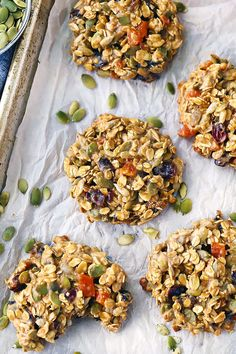 These Breakfast Cookies are a nutritional powerhouse, perfect to jump-start your day! Packed with fiber and protein, and any dried fruits, nuts, or seeds that you want. Fruit Cookies, Galletas Cookies, Healthy Cookies, Healthy Snacks, Healthy Recipes, Granola Cookies, Healthy Eating, Breakfast Cookie Recipe, Breakfast Bars