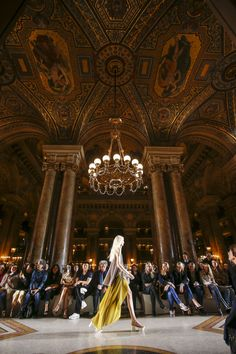 Stella McCartney Spring 2016 fashion show