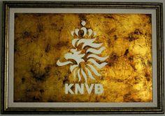 KNVB (REAL FEDERACION HOLANDESA DE FUTBOL) oleo y pan de oro sobre tabla 92 x 60