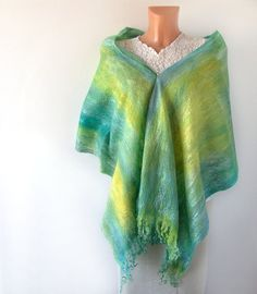 Felted scarf Teal Green Blue yellow sea waves par galafilc, $73,00