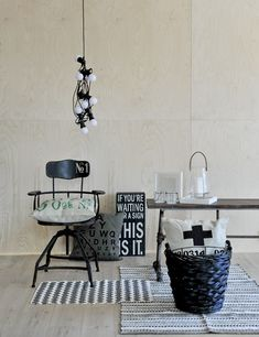 Mid-Century Modern Floor Lamps for your Living Room Designs Industrial Style Kitchen, Vintage Industrial Decor, Industrial Living, Vintage Home Decor, Estilo Interior, Modern Interior, Interior Styling, Interior Decorating, Interior Design