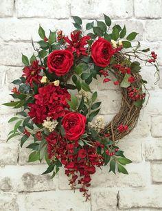 Red Silk Flower Wreath, Front Door Wreath, Grapevine Wreath, Summer Wreath, Wreath on Etsy - This beautiful red silk floral wreath was Wreath Crafts, Diy Wreath, Grapevine Wreath, Wreath Ideas, Wreath Making, Wreath Burlap, Wreath Fall, Diy Crafts, Valentine Day Wreaths
