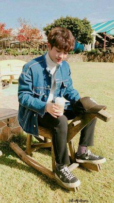 exo fluff imagines - dating park chanyeol 😁 Exo Ot9, Park Chanyeol Exo, Exo Chanyeol, Kyungsoo, Kim Jong Dae, Kim Min Seok, Kaisoo, Chanbaek, Exo Lockscreen
