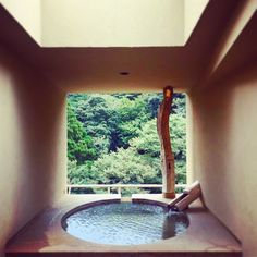 次はココへ行く♡ 口コミ高評価&1万円台の露天風呂付客室5選 - LOCARI(ロカリ) Japanese Bath House, Japanese Spa, Japanese Bathroom, Indoor Outdoor Bathroom, Japanese Interior, Relaxing Bath, Forest House, Apartment Interior Design, Hotels And Resorts