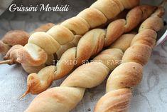Grissini  breadstick fatti in casa:sfiziosi,saporiti e insoliti nella forma. Ideali per snack,antipasti, buffet. Sostituiscono il pane a tavola con eleganza