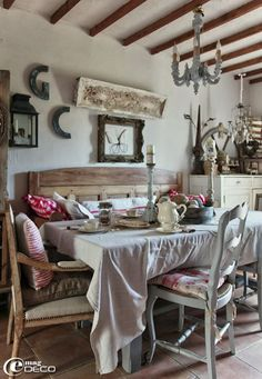 Christmas in Provence French Country Dining, French Country House, French Farmhouse, French Country Decorating, Cottage Homes, Cottage Style, Inside A House, Country Interior, Decoration