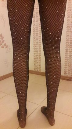Sparkly Fishnets, Black Fishnet Tights, Black Fishnets, Grunge Look, 90s Grunge, Stockings Outfit, Sexy Stockings, Fish Net Tights Outfit, Lace Socks