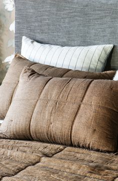An exquisite collection of designer bed linen, quilts, bedspreads, comforters, silk filled products and linen fabrics all handcrafted from natural fibres. Bed Linen Design, Bed Design, Linen Fabric, Linen Bedding, Fine Linens, Contemporary Interior, Bed Spreads, Bed Pillows, Pillow Cases