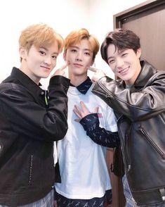 nana: hey renjun moomin: yes? nana: suck my eye.smile: NA JAEMIN!excuse me in which a questioning boy. Winwin, Taeyong, Nct 127, Jeno Nct, Mamamoo, K Pop, Shinee, Nct Dream Members, Johnny Seo