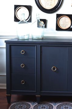 Annie Soan Stockist me & mrs. jones in Memphis, TN custom mixed a beautiful navy with Chalk Paint® by Annie Sloan with Napoleonic Blue and Graphite in equal parts. Navy Furniture, Blue Furniture, Furniture, Furniture Vanity, Chalk Painted Sideboard, Blue Painted Furniture, Painted Sideboard, Painted Bedroom Furniture, Painted Furniture