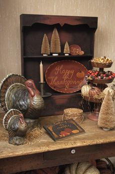 with turkeys & redware Ragon House Collection. I love these Turkeys. Vintage Thanksgiving, Thanksgiving Table Settings, Thanksgiving Feast, Thanksgiving Decorations, Holiday Decor, Thanksgiving Greetings, Peru, Primitive Autumn, Primitive Country