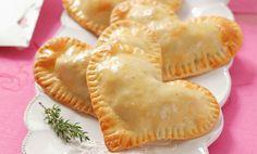 Cuori di sfoglia salati ripieni di salmone, la ricetta di San Valentino! | Cambio cuoco